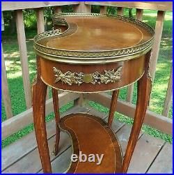Antique French Table Ormolu, Vanity, Lamp Table Hand Dovetailed Bronze Mounts