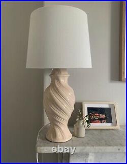 Mid century Vintage Table lamp in speckled pale pink. Vintage ceramic lamp Base
