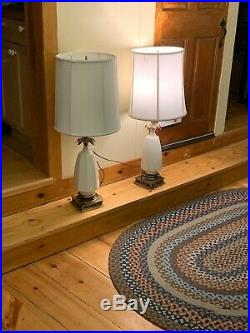 Nice Vintage Pair Of Mid Century Lamps Hollywood Regency Ceramic With Shades