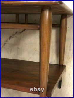 Vintage Mid Century Modern Lane Acclaim Walnut Two Tier Side End Lamp Table