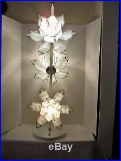 Vintage Rare Mid Century Modern White Lotus Flower Floor/Table Lamp